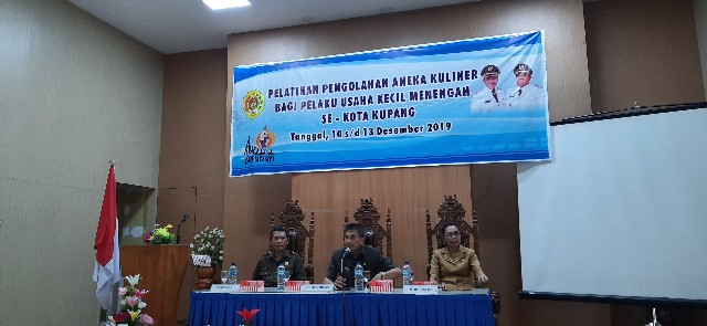 Untuk tingkatkan kualitas pelaku usaha kuliner kota Kupang, Dinas Koperasi & UKM gelar pelatihan