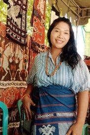 Sofia Hebi,  Fashion Desainer asal Sumba Timur : Berani Espansi  terinspirasi Erwin Yuan