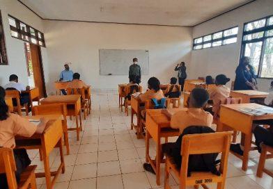 "SMPN 15 Kupang Gelar PTM Terbatas, Yusuf Ola : ""Pembinaan Karakter Anak Nomor 1"""